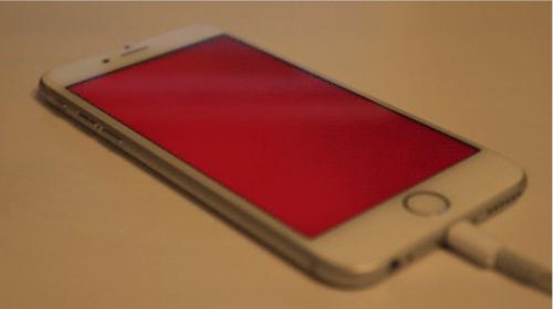 Красный экран iPhone 5s, 6s Plus