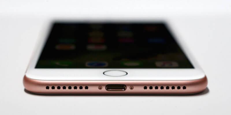 Почему Apple лишила iPhone 7 разъема для наушников