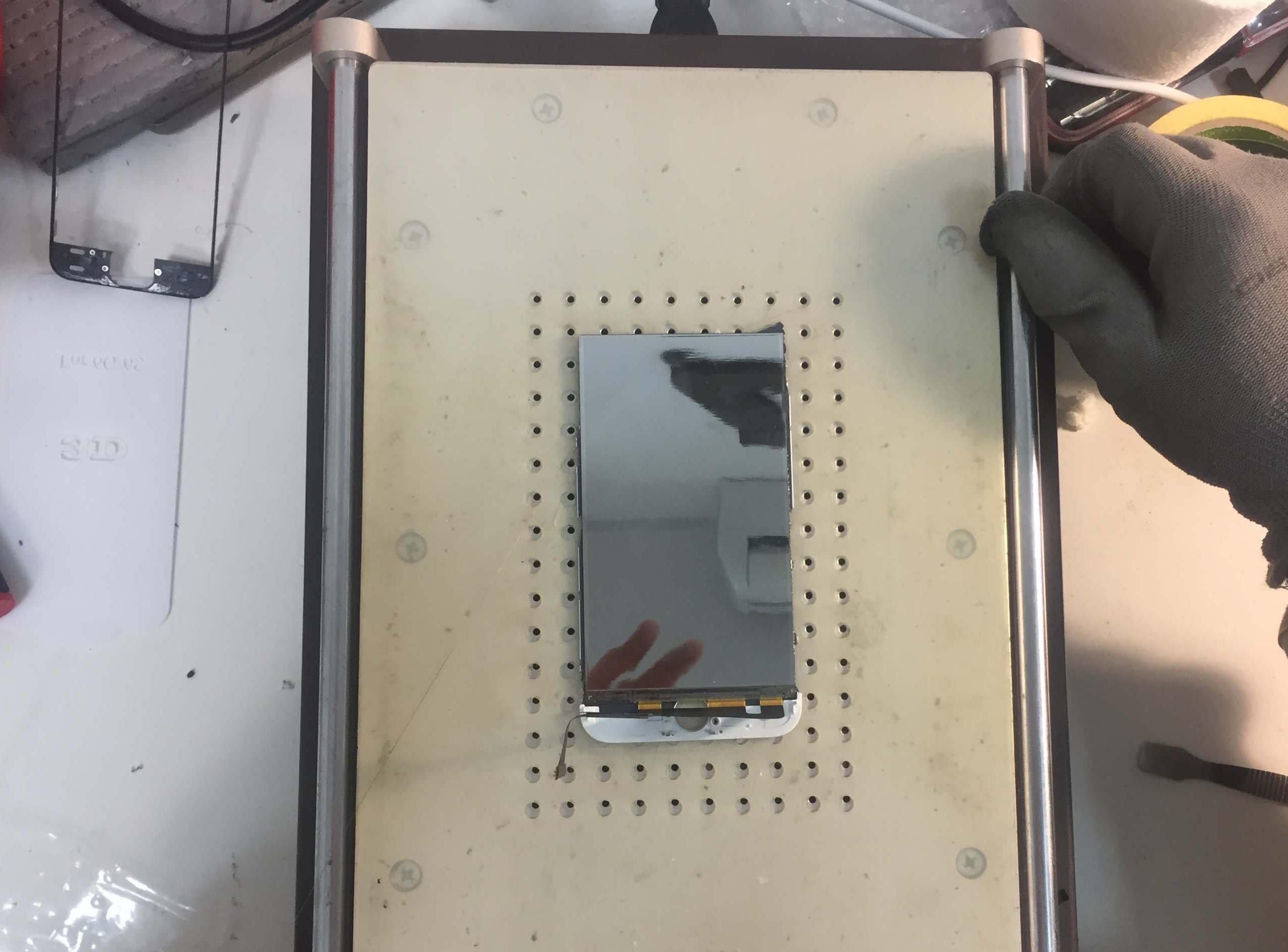 Срезаем разбитое стекло