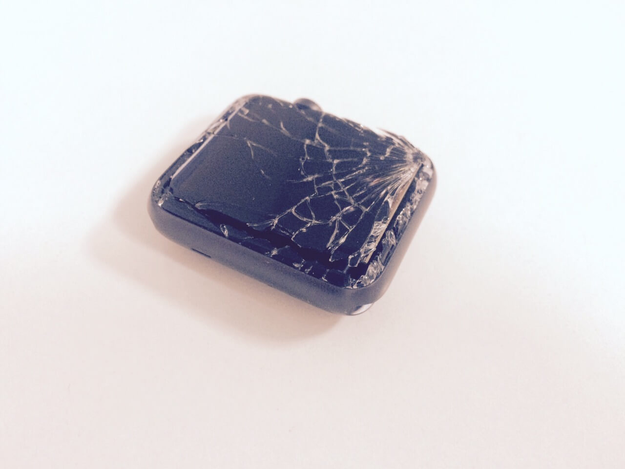 Замена стекла на Эппл Вотч 2