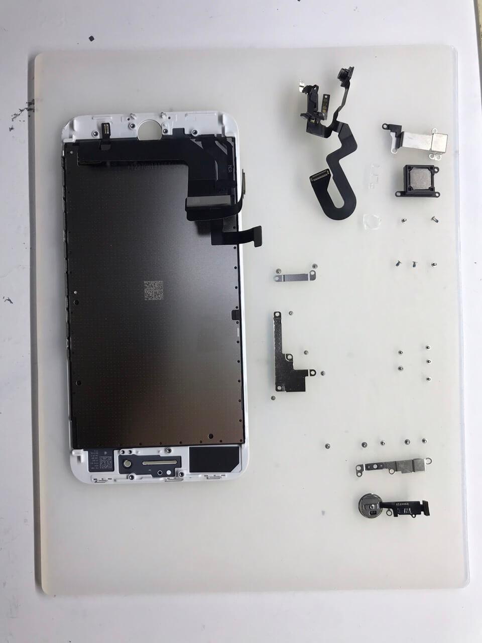 Элементы дисплея iPhone 8 Plus