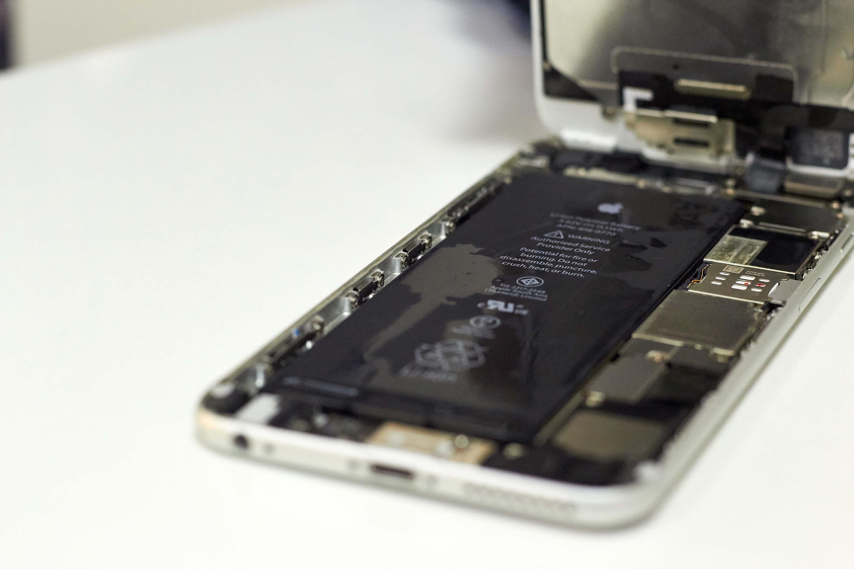 Жидкость внутри iPhone