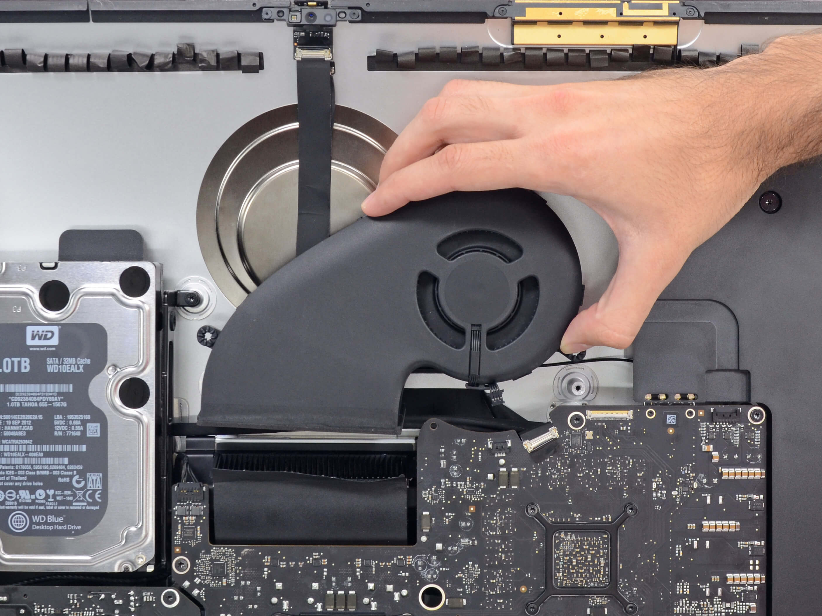 Чистка iMac от пыли