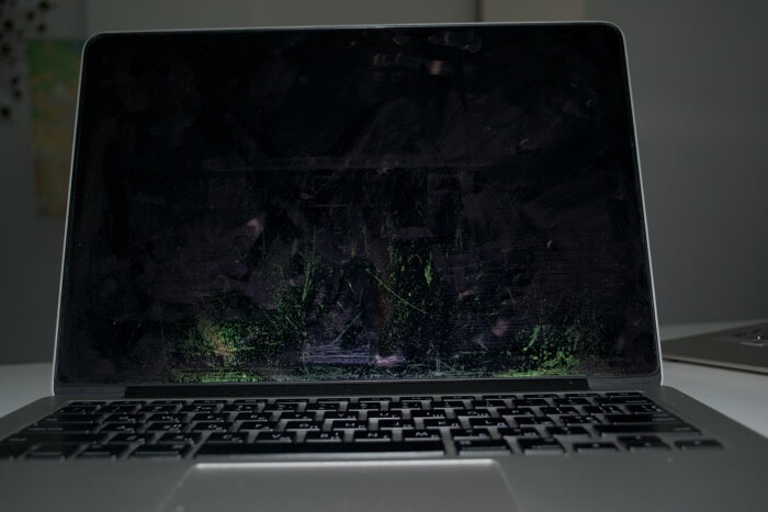 гарантия на дисплей MacBook Pro