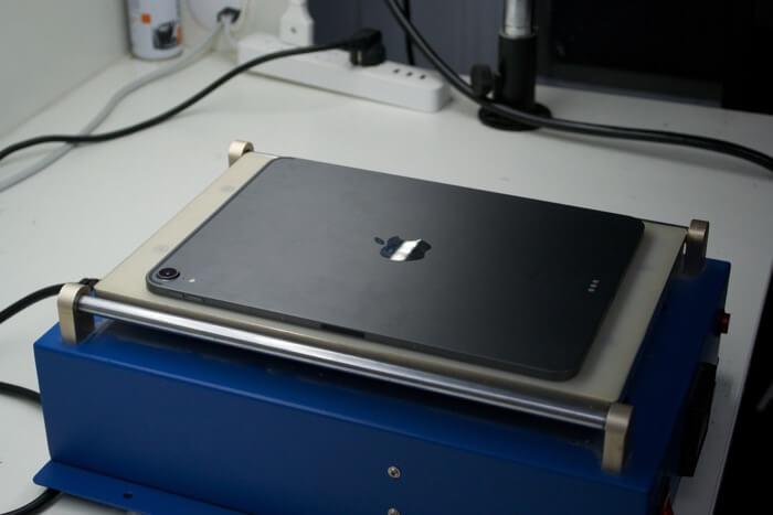 подготовка к замене стекла на iPad Pro 11