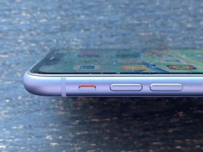 переклейка стекла iPhone 11 в Киеве