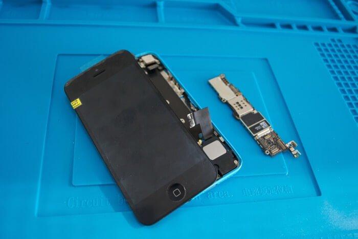 ремонт в Киеве iPhone 5c