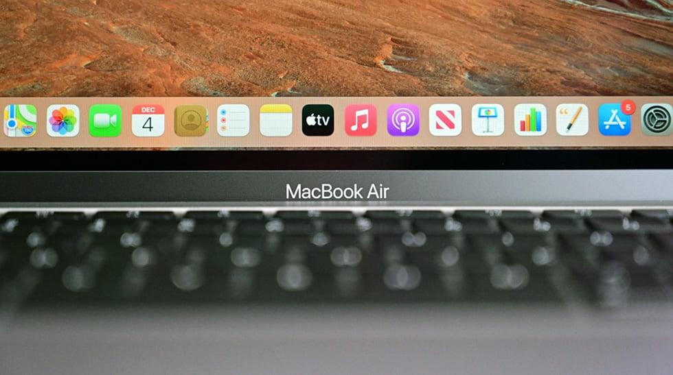 На MacBook c m1 трескаются дисплеи